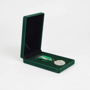 4 Military Intelligence Battalion 32mm Silver Military Medal with coloured ribbon in a green velvet presentation case
